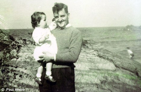 Once so close: Mary with her father Robert in 1960. He died in 1999